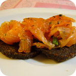 Graved Lachs - Lachs auf Pumpernickel