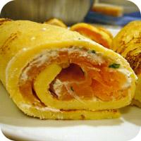Eierkuchen mit Lachs und Frischkäse