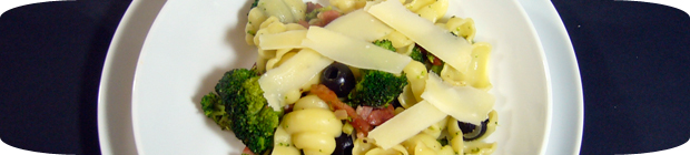 Nudeln mit Brokkoli und Pancetta