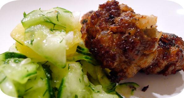 Fleischpflanzerl & Gurkenkartoffelsalat