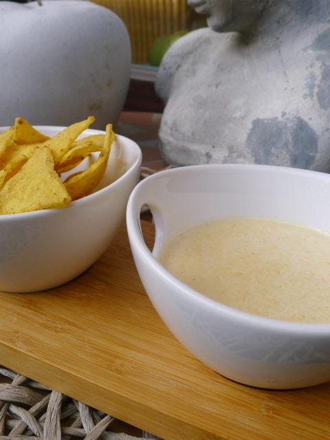 Nachos mit Käsedip