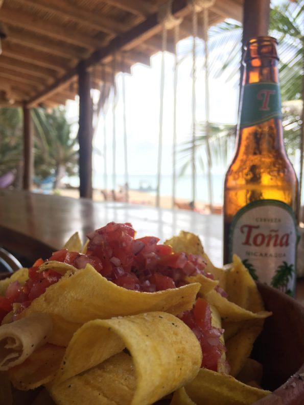 Platanitos mit Tomaten Salsa und Tona