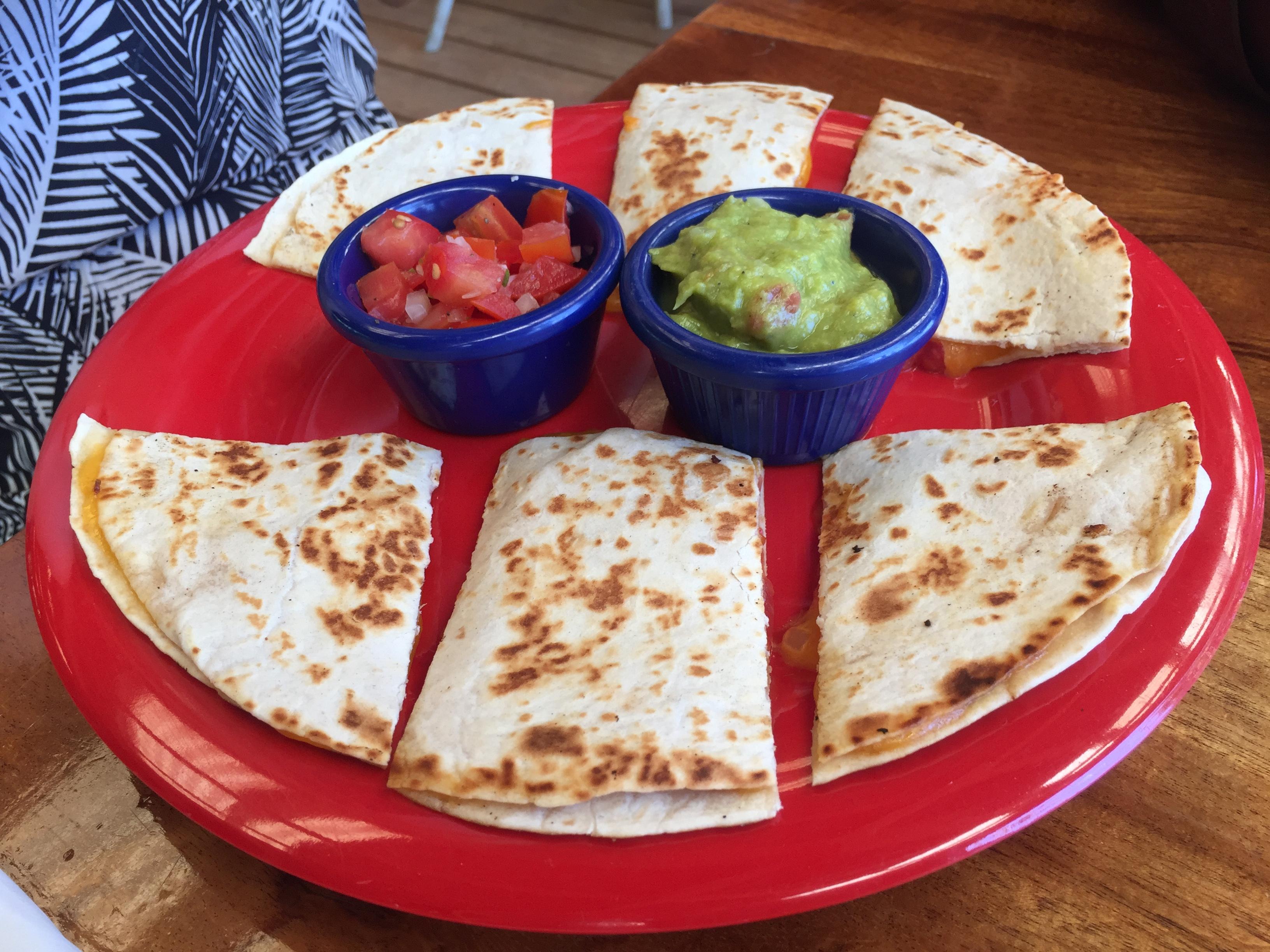 Quesadillas mit Hühnchen und Käse