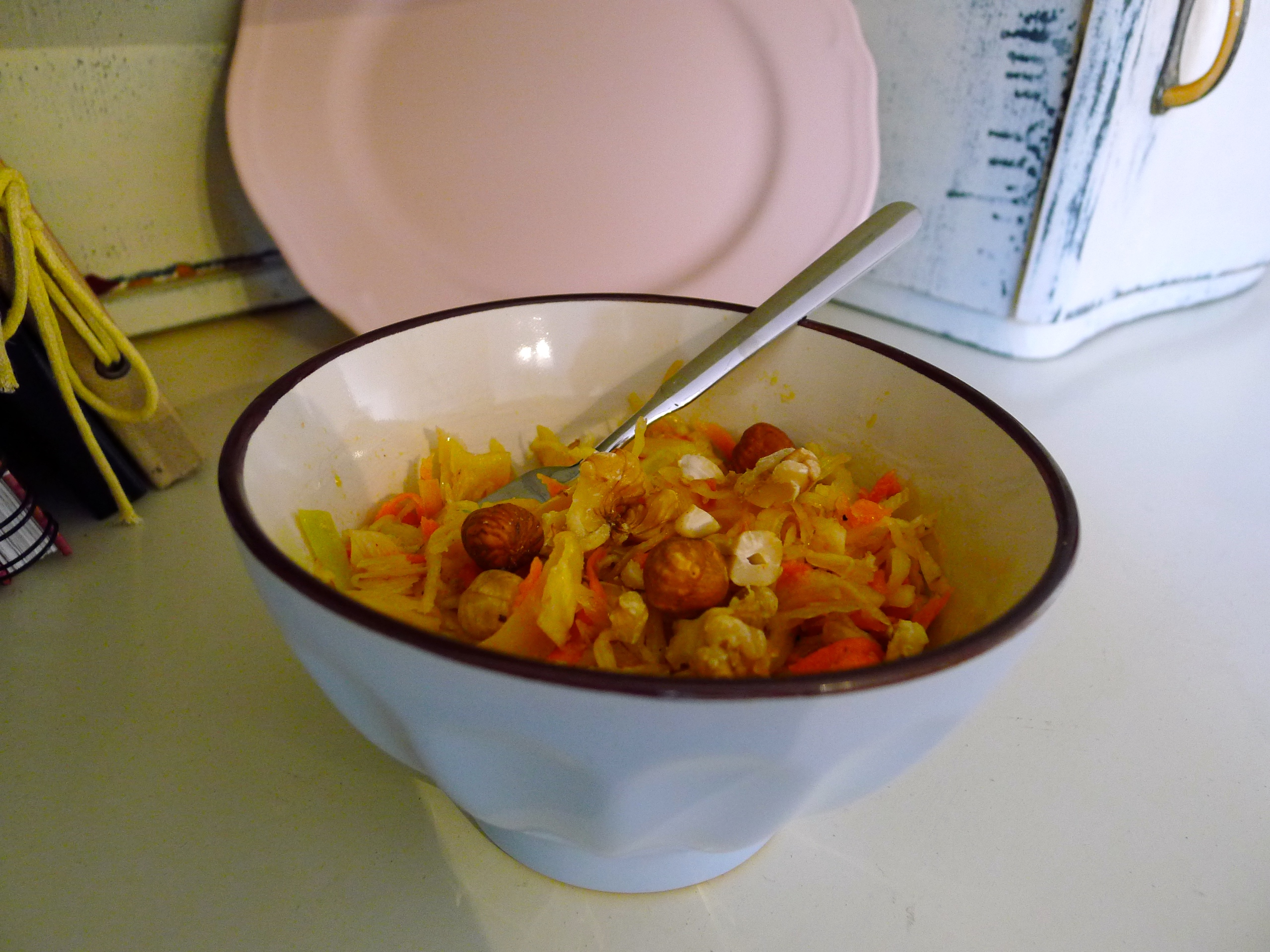Weisskohl Moehren Salat