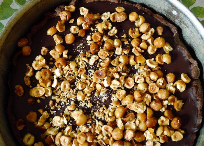 Schokoladentarte mit Haselnüssen