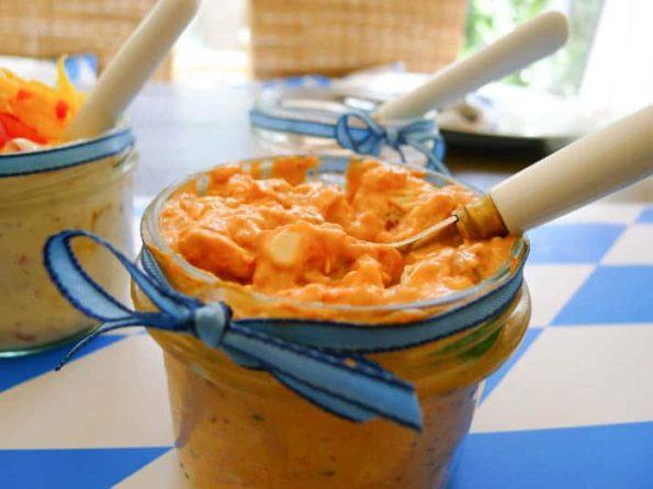 Obatzda mit Tomaten