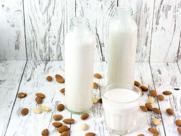 Mandelmilch ohne Zucker selbermachen