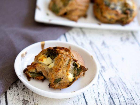 Vegetarische Pizzaschnecken mit Spinat