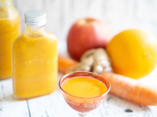 Ingwer Shot mit Karotte und Orangen