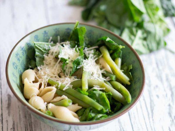Pasta Salat mit Bohnen - sommerlich frisch!