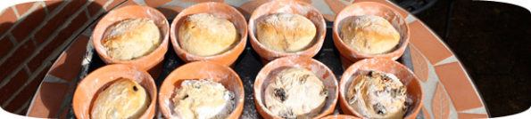 Brot im Tontopf